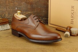 BARKER Banbury Walnut Dainite rubber sole