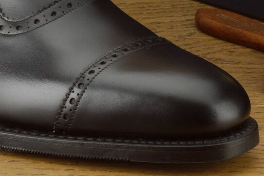 Loake Fleet Black Size UK 11 Goodyear Welted Rubber Soles
