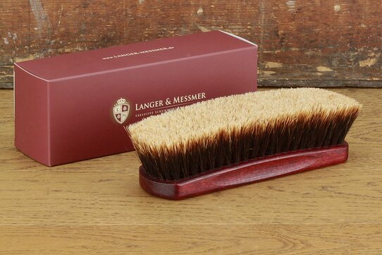 Langer & Messmer Exclusive Threaded Horsehair Polishing Brush Bordeaux